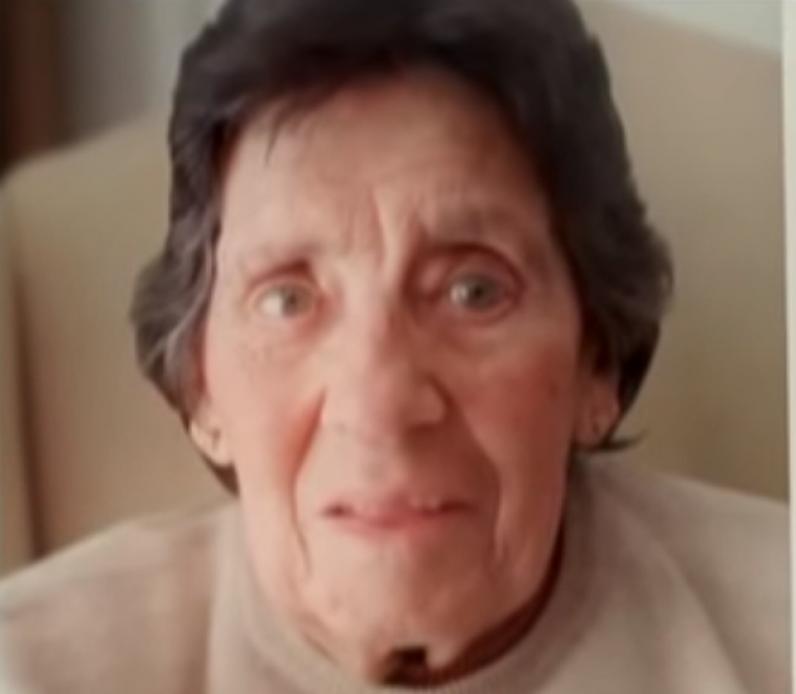 <p>René Pallares, mamá de Julio César D´Elía Pallares, encontró a su nieto en 1998. Carlos nació durante el cautiverio de su madre Yolanda Iris Casco.</p>